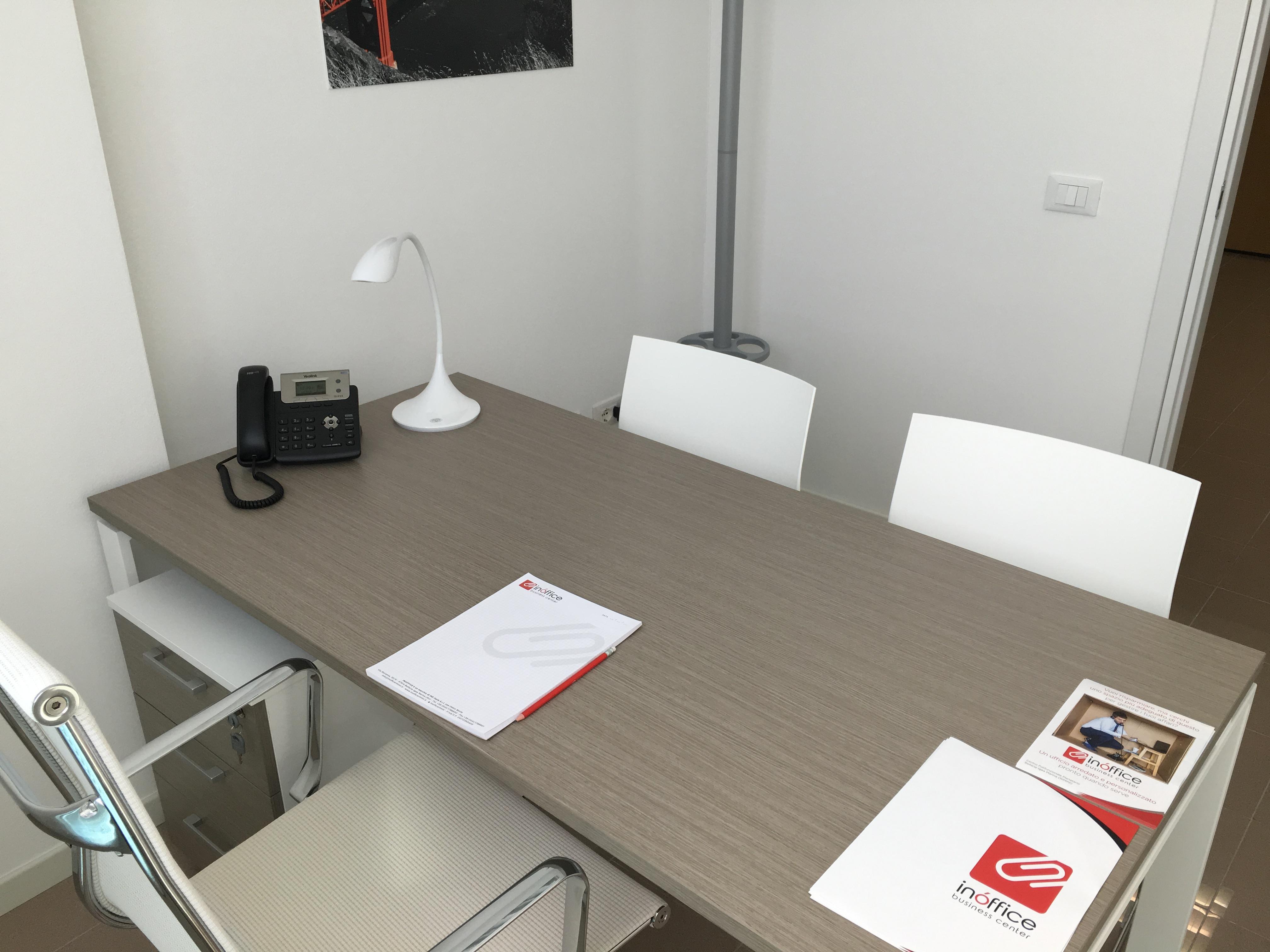 Disposizione Scrivania Ufficio : Uffici arredati inóffice business center a bellaria igea marina